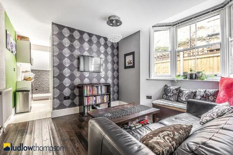 2 bedroom flat for sale - Brook Drive, Kennington SE11