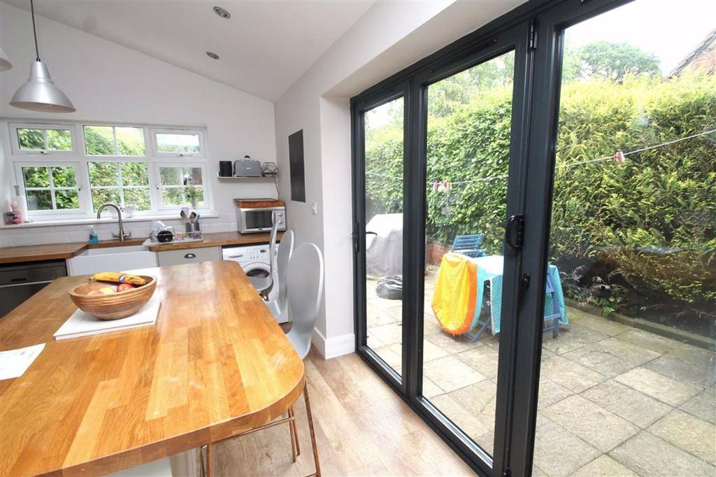 Breakfast Bar and Bi Fold Doors