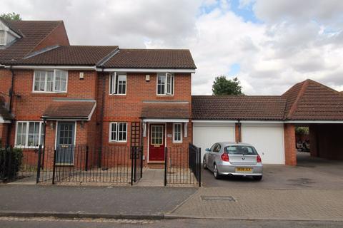 3 bedroom house to rent - Miller Road - Ref. P9850