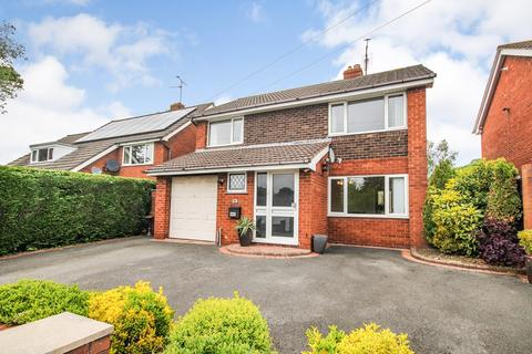 4 bedroom detached house for sale - Tram Road, Buckley, CH7