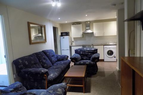 2 bedroom apartment to rent - *NO FEES* Somers Road