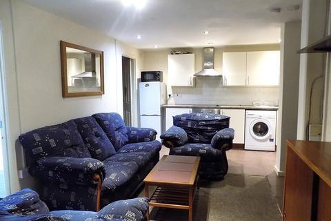 2 bedroom ground floor flat to rent - Somers Road