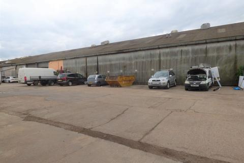 Heavy industrial to rent - Canal Road, Higham
