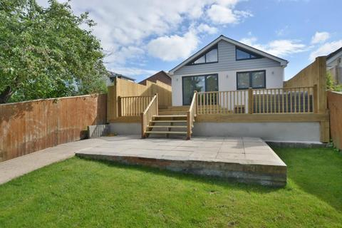 3 bedroom detached bungalow for sale - Pottery Road,Whitecliff, Poole, BH14 8RF