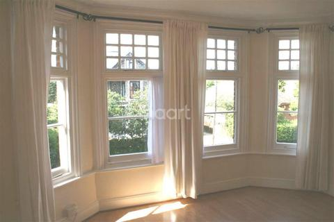 1 bedroom flat to rent - River Location