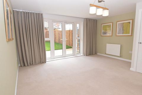 3 bedroom semi-detached house to rent - Montague Park Wokingham