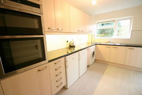 2 bedroom apartment to rent - Bycullah Road, Enfield, EN2