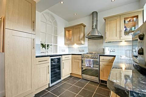 2 bedroom terraced house to rent - Rosemary Avenue, Enfield, Middlesex, EN2