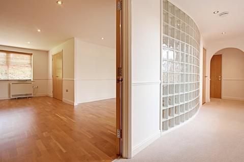 2 bedroom apartment to rent - Taverners Lodge, 20 Cockfosters Road, Barnet, EN4