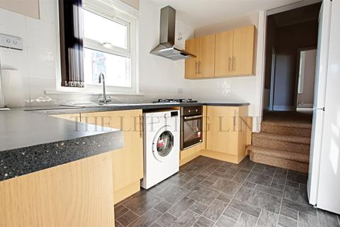 1 bedroom apartment to rent - Chase Side, Enfield, Middlesex, EN2