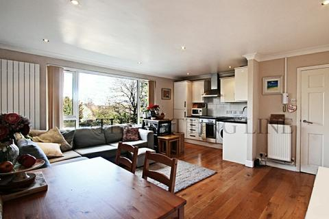 2 bedroom apartment to rent - Garforde, 33 Bycullah Road, Enfield, Middlesex, EN2