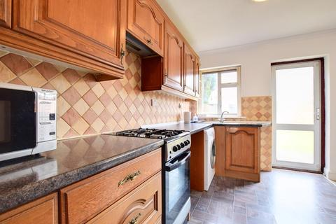 4 bedroom semi-detached house to rent - Reynolds Drive, Edgware, Middlesex, HA8 5PY