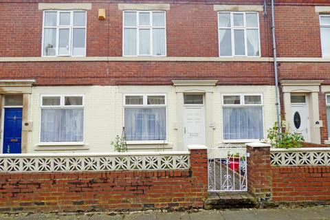 2 bedroom ground floor flat for sale - Cromwell Terrace, North Shields, Tyne and Wear, NE29 0PA