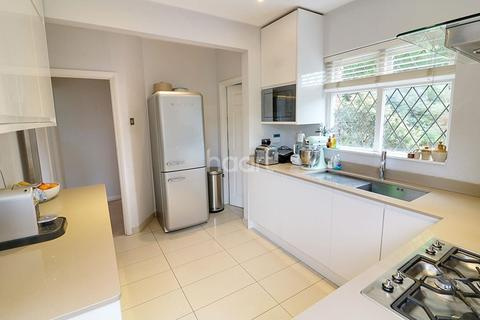 3 bedroom detached house for sale - Laleham road, Staines