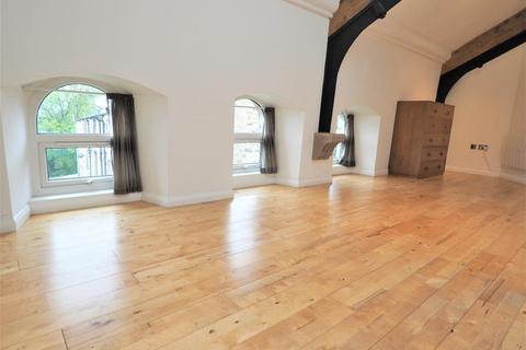 2 bedroom apartment to rent - Quickmere Court, Mossley, Ashton Under Lyne, Lancashire, OL5 0DA