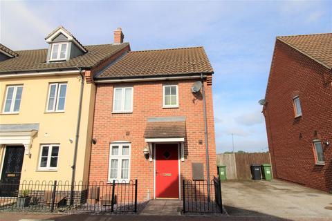 3 bedroom end of terrace house for sale - Poppyfields, West Lynn