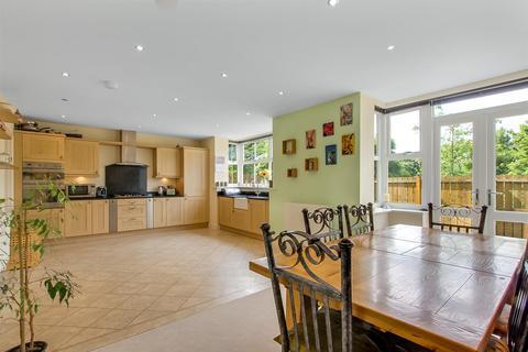 5 bedroom detached house for sale - St Andrews Park, Sadberge, Darlington