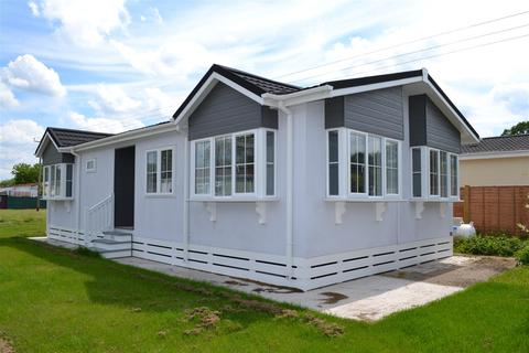 2 bedroom mobile home for sale - Laburnum Rise, Crookham Common, Thatcham