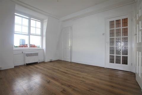 Studio to rent - Porchester Road, Bayswater
