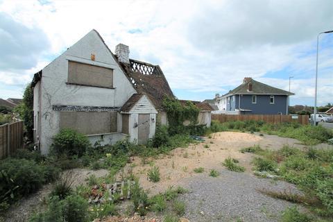 5 bedroom property with land for sale - Old Shoreham Road, Lancing BN15 0QT
