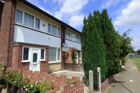 3 bedroom terraced house to rent - Humber Way, Langley, SL3