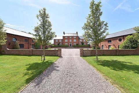 6 bedroom manor house to rent - Smithy Lane, Hulme Walfield