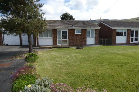 3 bedroom bungalow for sale - 10 Tremorfa Close, Fairbourne, LL38 2PQ