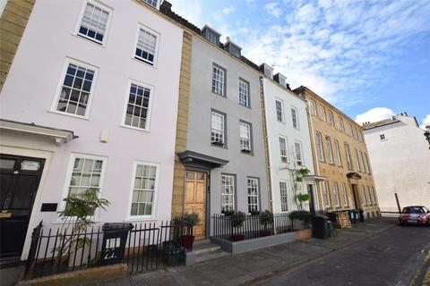 4 bedroom terraced house for sale - Orchard Street, Bristol, BS1 5EH