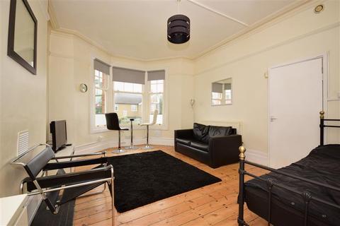 Studio for sale - Montalt Road, Woodford Green, Essex