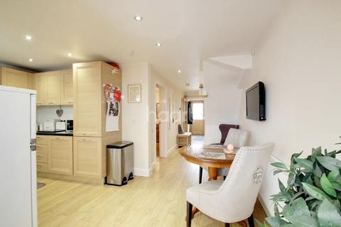 4 bedroom semi-detached house for sale - Woodleigh Close, Leicester