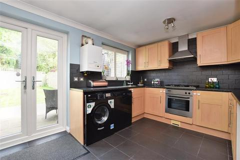 2 bedroom terraced house for sale - Fleetwood Close, Tadworth, Surrey