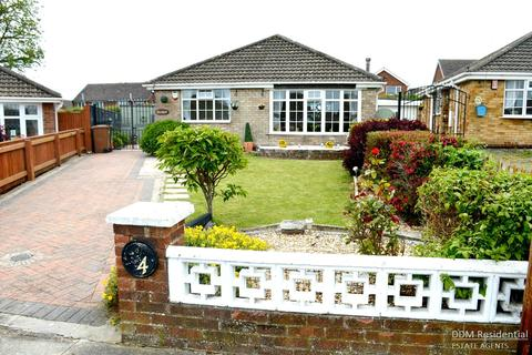 2 bedroom detached bungalow for sale - Fernhill, Grimsby, North East Lincolnshir, DN37