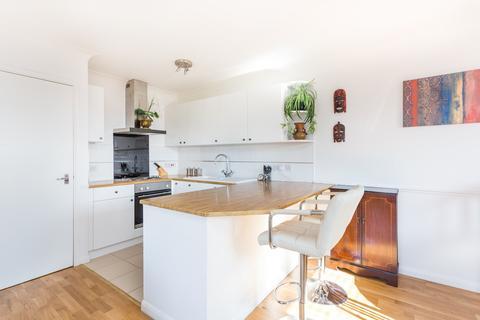 2 bedroom flat to rent - Essex Road, Chadwell Heath, RM6
