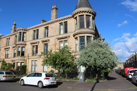 4 bedroom apartment to rent - Glencairn Drive, Flat 2/2, Pollokshields, Glasgow, G41 4QN