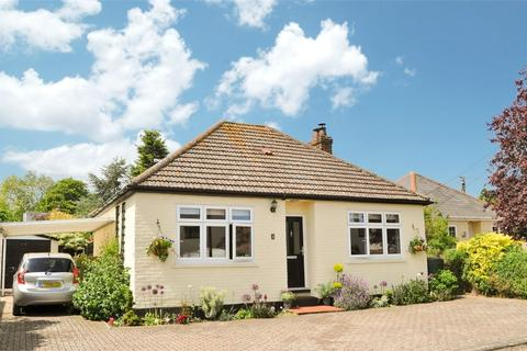 2 bedroom detached bungalow for sale - Manor Crescent, Little Waltham, Chelmsford, Essex