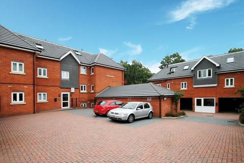 2 bedroom apartment to rent - Kestrel Road, Chatham