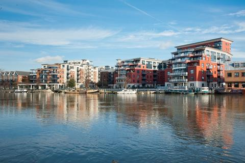 2 bedroom apartment for sale - Charter Quay