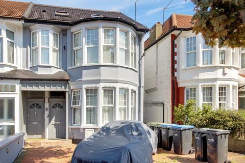 3 bedroom maisonette for sale - Berkshire Gardens, Palmers Green, N13