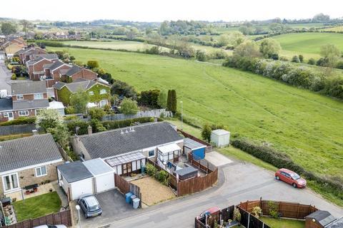 3 bedroom semi-detached bungalow for sale - Valley Rise, Desborough, Kettering