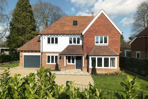 5 bedroom detached house for sale - Heath Drive, Walton on the Hill, Tadworth, KT20