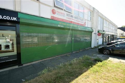 Retail property (high street) to rent - 579, Leeds