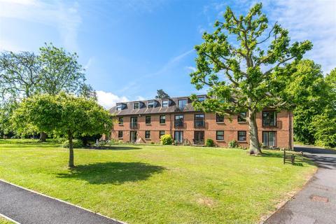 2 bedroom retirement property for sale - Delves Close, Ringmer