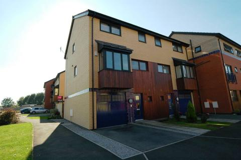 4 bedroom townhouse to rent - Abbey Way, Beverley Road Area