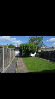 1 bedroom house share to rent - Brantwood Gardens, Redbridge