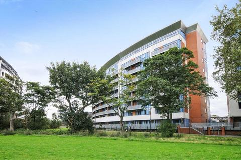 2 bedroom apartment to rent - Meath Crescent, London, E2