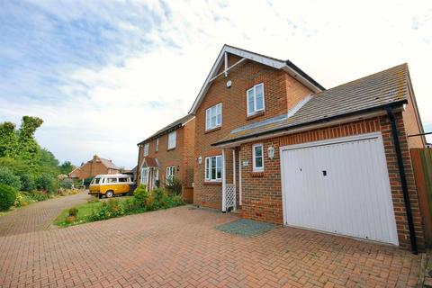 3 bedroom detached house for sale - Fairfax Drive, Herne Bay
