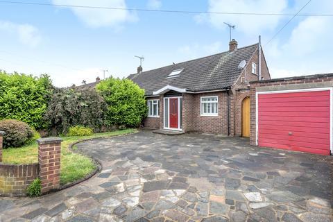 4 bedroom semi-detached bungalow to rent - Smiths Lane, Windsor, Berkshire, SL4