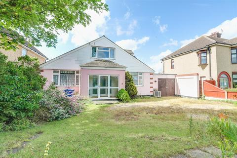 3 bedroom detached bungalow for sale - River View, Chadwell St. Mary, Grays