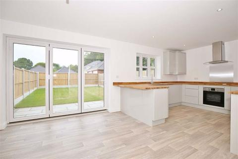 3 bedroom semi-detached house for sale - West Kingsdown, Kent