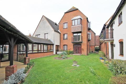 1 bedroom apartment for sale - White Lion Courtyard, Deweys Lane, Ringwood, Hampshire, BH24